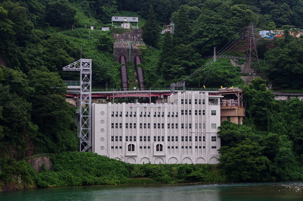 愛本発電所