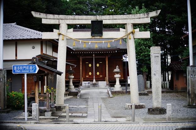 天台宗のお寺の隣の神社