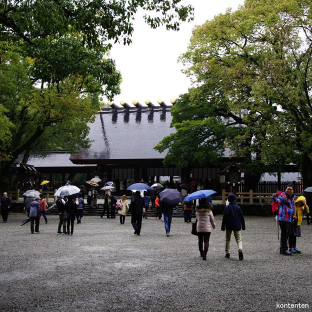 雨の中のお詣り