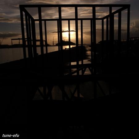 資材置場の夕