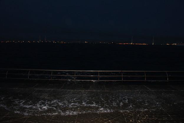 満潮時の臨港パーク