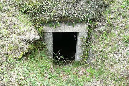 こうもり塚古墳石室入口
