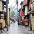写真: 祇園の小路