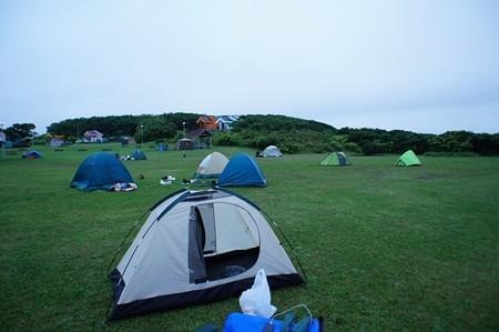 日の出岬キャンプ場(朝)撤収作業中