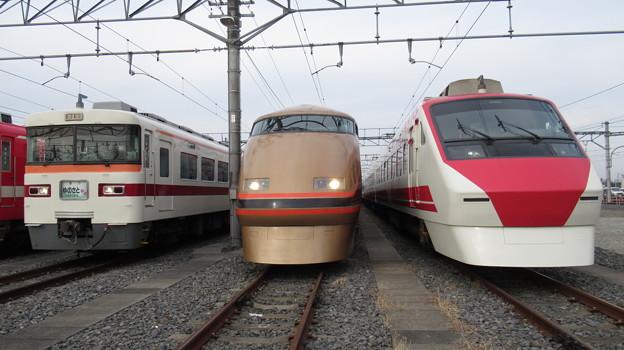 東武353F・103F・208F 3並び