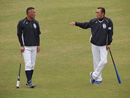 近藤コーチと森監督。