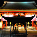 真夜中の浅草寺