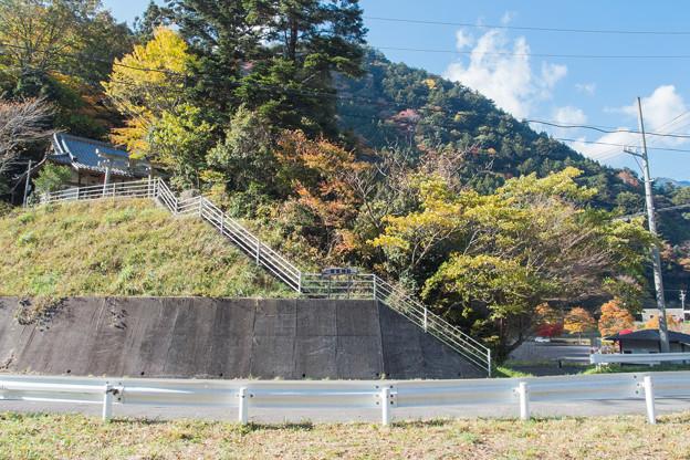 接岨峡の若宮神社