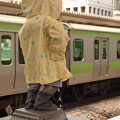 浜松町駅ホームの小便小僧…の「後姿」に……