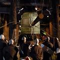 写真: 知恩院の除夜の鐘