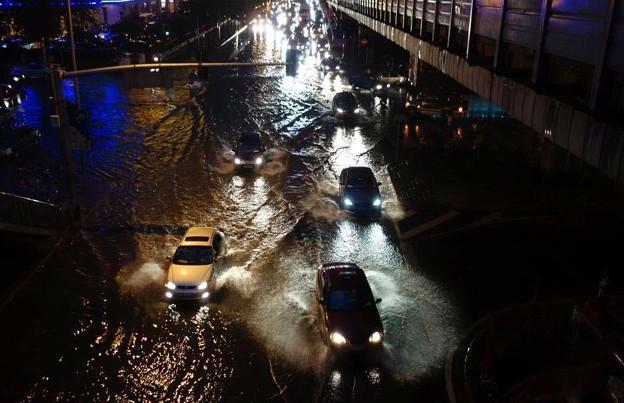 北京で雹と大雨 7-16 (2)