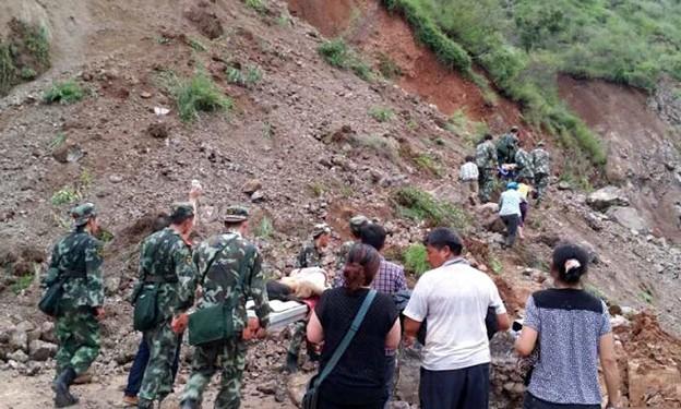 Photos: 雲南省 M6.5地震の大災害 (16)