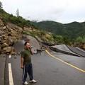 写真: 重慶 暴雨で大冠水と地すべりの爪跡  (5)