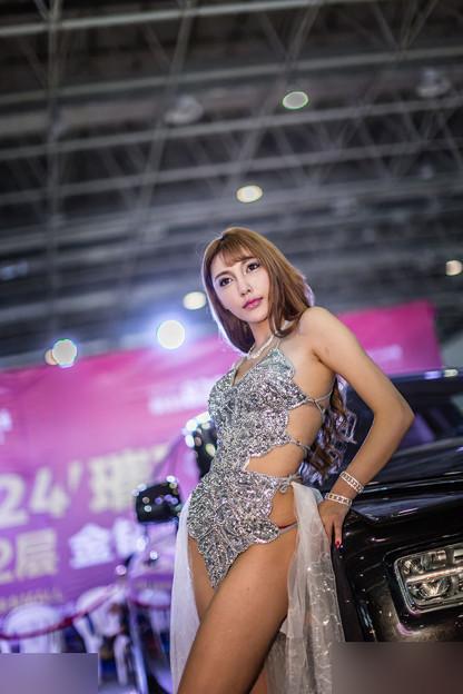 バニー&Carモデルの田紫紫が女を武器に金を稼ぐ!!の図式(笑) (12)