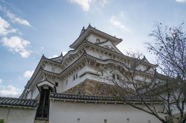姫路城【17_にの門を入った場所から見た天守閣】