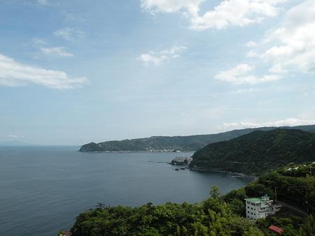 熱海城より伊豆の海を眺める
