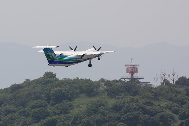 Photos: DHC-8-Q200