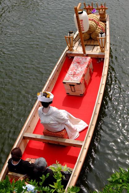 Photos: 嫁入り船 後姿