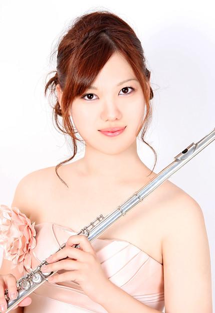 写真: 米窪麻美 よねくぼまみ フルート奏者 フルーティスト        Mami Yonekubo
