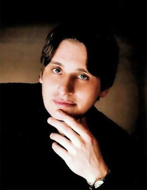 ドミトリー・フェイギン チェロ奏者 チェリスト        Dmitry Feygin