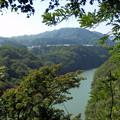 県道515号線(廃道)から見る津久井湖上流