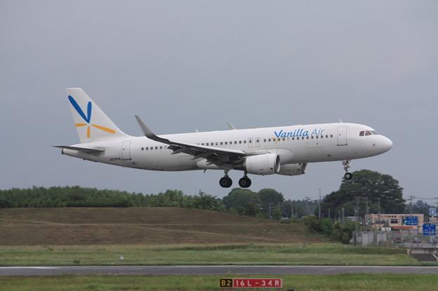 Photos: バニラエア エアバスA320-200 JA03VA