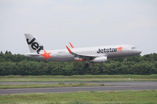 ジェットスタージャパン エアバスA320-200 JA20JJ (1)