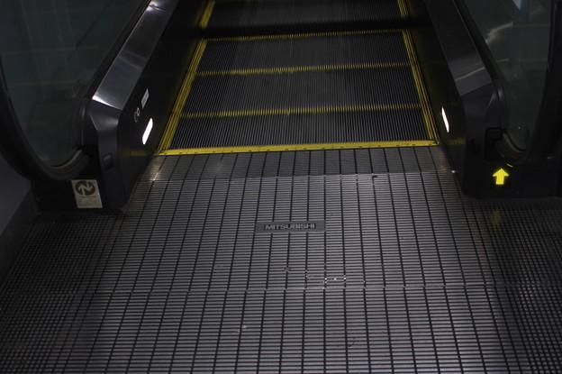 阪神なんば線 西九条駅 エスカレーター