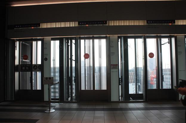 渋谷ヒカリエ エレベーターのりば IMG_121809