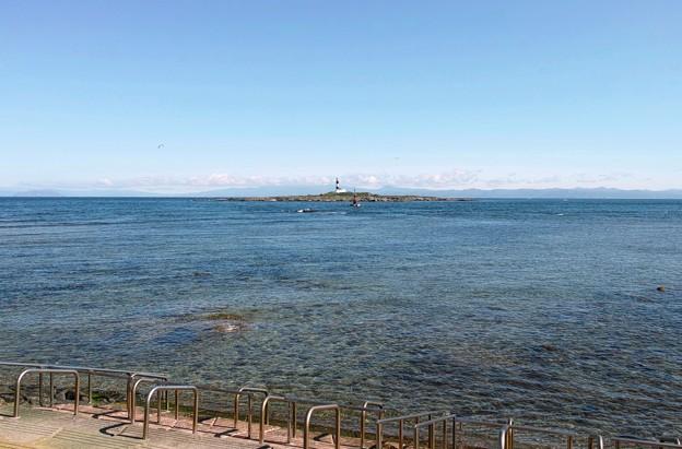 12.弁天島と大間崎灯台と対岸の北海道(DP1メリル)