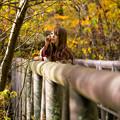 写真: 紅葉の中で