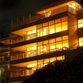 写真: 夜の病院
