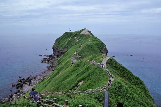 IMGP0557 神威岬と灯台への道