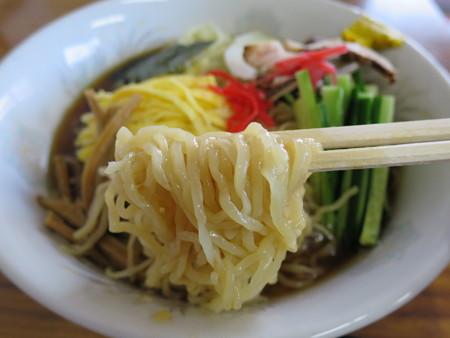 食堂 福龍 冷やし中華W 麺アップ