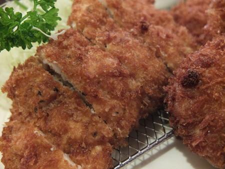 とんかつ梅林 3種盛り合わせ 鶏ムネアップ