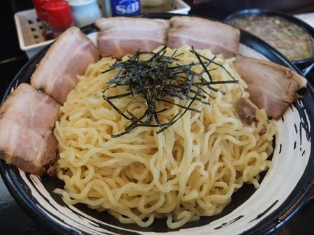 らぁめん古丹 つけ麺(冷もり、特盛)ちゃーしゅうトッピング 麺器アップ