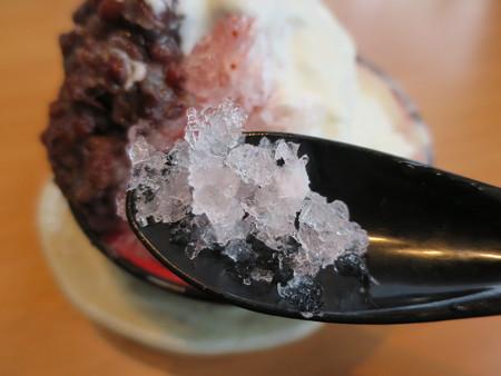 大戸屋 上越大日店 ふんわりクリームのかき氷 いちごのかき氷(期間限定) アップ
