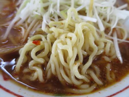 ラーメンハウスあおき 本店 辛ねぎチャーシューメン 麺の様子