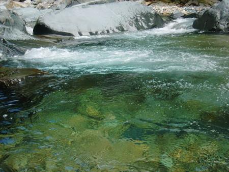 大泡の水面の様子