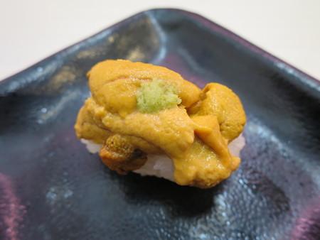 魚べい 上越高田店 極上生うに(季節限定メニュー)¥183