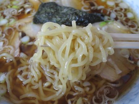 ちゃいなっく チャーシューメン 麺アップ