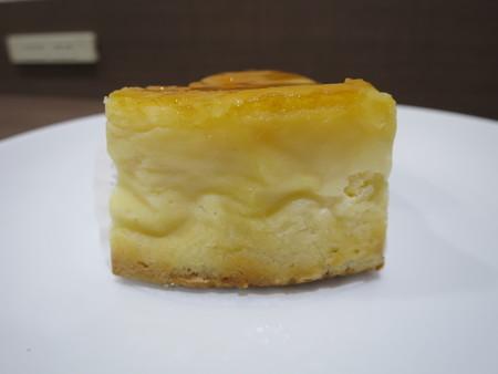 Vege'c じゃがいもチーズケーキ 後ろから見た図