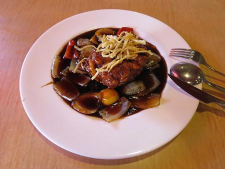 上海大食堂 黒酢の酢豚¥1058