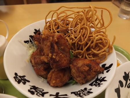 いなば製麺 鶏の唐揚げ定食 鶏の唐揚げ器アップ