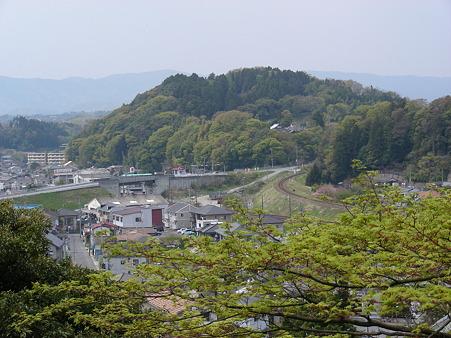 松ヶ岡公園から内郷方面を見る