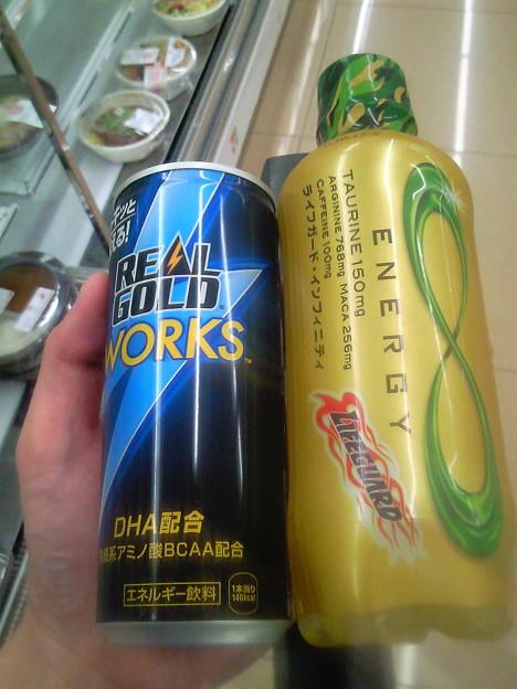 新しいエナドリ発見☆REAL_GOLD_WORKとライフガードインフィニティ(*・`┐...