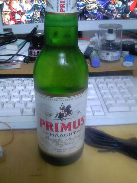 """帰宅。今日はベルギーのエール""""プリムス""""飲むよ(^ε^)-☆"""