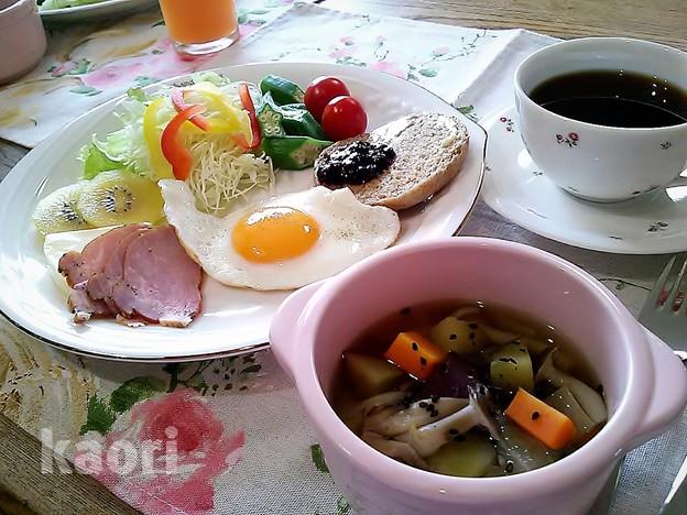 写真: さつま芋とキノコ秋のスープ