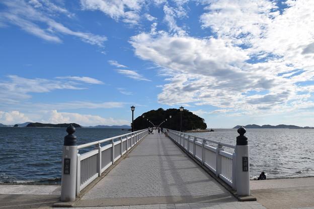八百富神社への橋