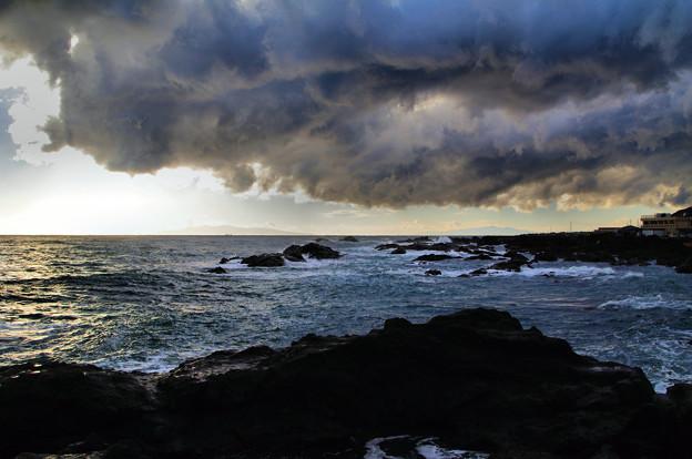 写真: 竜雲巻く